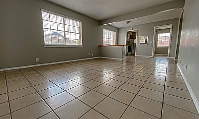 Living Room, 3901 Englewood Cir, 1