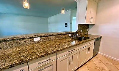Kitchen, 4848 Bermuda Ave, 2