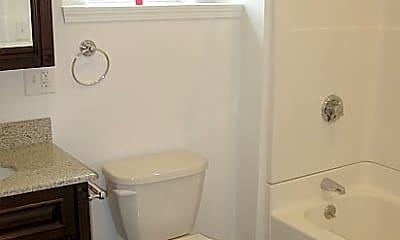 Bathroom, 130 Sycamore St, 2