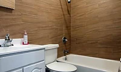 Bathroom, 17-24 Stanhope St, 2