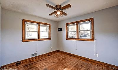 Bedroom, 4610 Valley Station Rd, 1