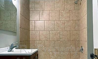 Bathroom, 3014 Spottswood Ave, 1