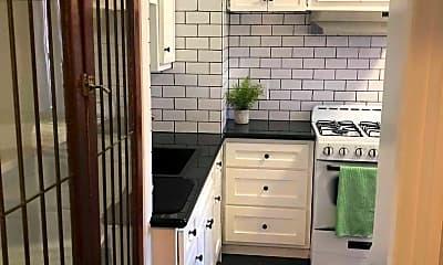 Kitchen, 2801 S Budlong Ave, 2