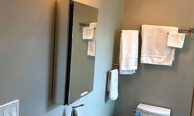 Bathroom, 918 Mason St 2, 2