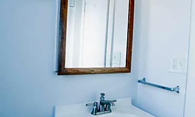 Bathroom, 3727 N Pine Grove Ave, 2
