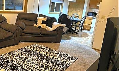 Living Room, 220 Sugar Creek Ln, 2