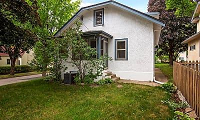 Building, 2301 NE Benjamin St, 2