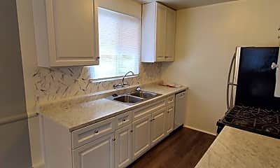 Kitchen, 5913 Gregory Ave, 2