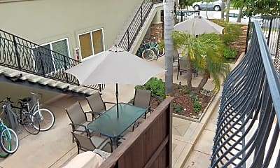 Patio / Deck, 2029 1/2 Oliver Ave, 1