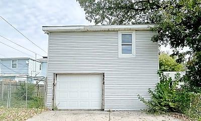 Building, 2219 S Elm St, 2