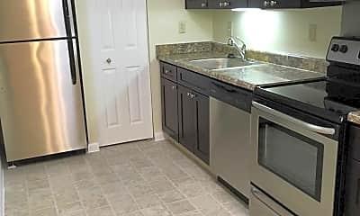 Kitchen, Colonial Crest, 1