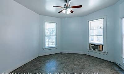 Bedroom, 115 E 4th St, 1