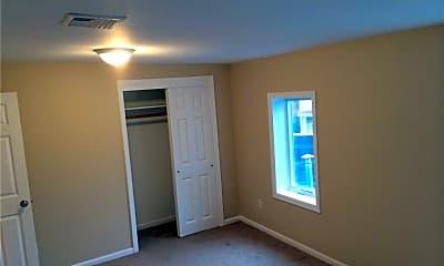 Bedroom, 32 Main St 3, 1