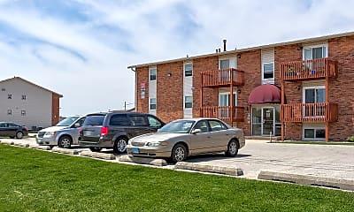 Building, Clobertin Ct Apartments, 1