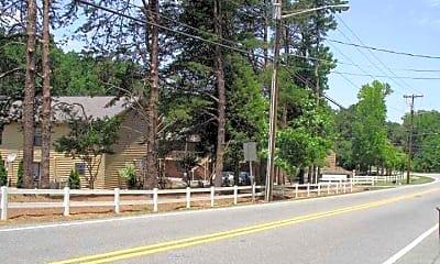 Jamestown Manor, 1