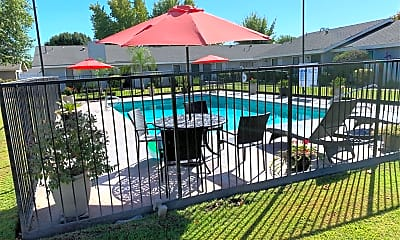 Westwind Apartments, 2