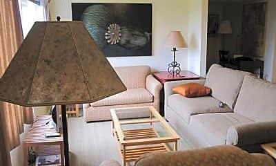 Living Room, 5862 Estates Dr, 2