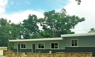 Building, 635-637 Marine St, 1