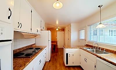 Kitchen, 100 Serra Ct, 1