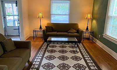Living Room, 732 S Division St, 1