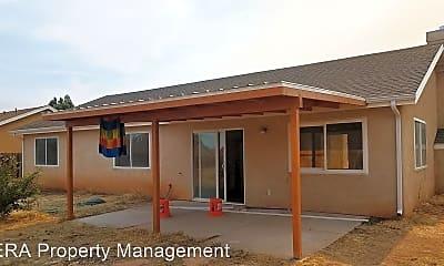 Building, 71 N 4125 W, 1