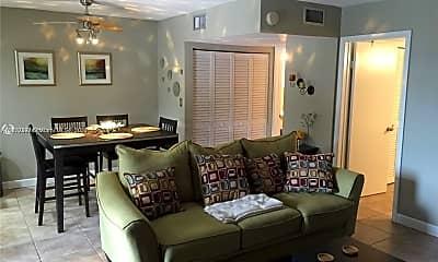 Living Room, 421 NE 1st St 212, 0