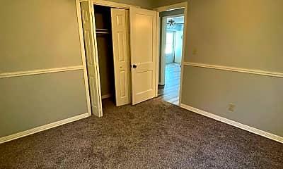 Bedroom, 5012 E Mt Vernon St, 2