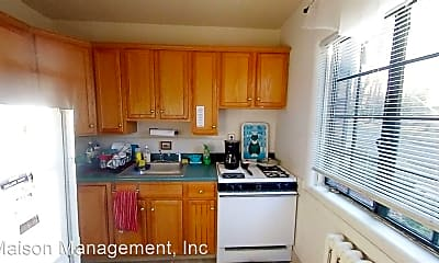 Kitchen, 117-125 Highland Pkwy, 1