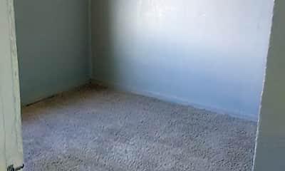 Living Room, 912 N Lipscomb St, 2