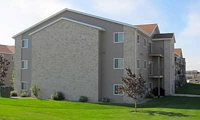 Building, Bakken Heights Apartments, 1