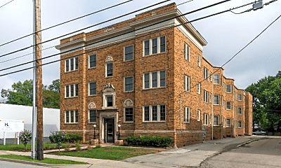 Building, 5822 E Washington St, 1