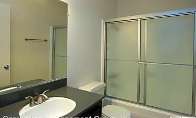 Bathroom, 1371 E Lexington Ave, 2