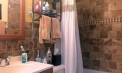 Bathroom, 141 Appleton St, 2