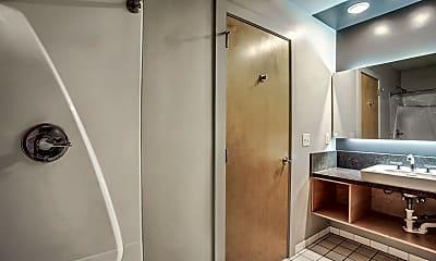Bathroom, The Renfro, 2