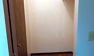 Bedroom, 300 N Kiwanis Ave, 2