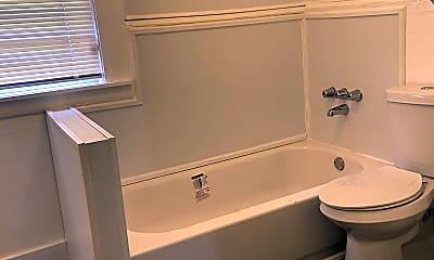 Bathroom, 2322 Moncrief Rd, 2