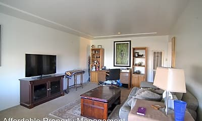 Living Room, 42720 Roberts Ave, 1