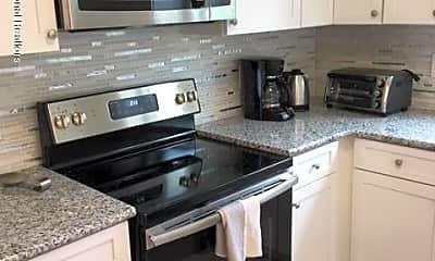 Kitchen, 65 Cedar Ave B11, 1
