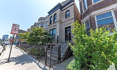 Building, 907 West Addison Street 2, 1