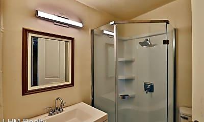 Bathroom, 126 N 10th Ave, 2