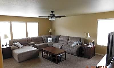 Living Room, 9511 Desert Lily Cir, 1