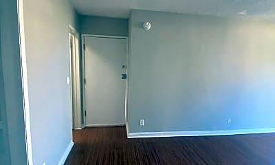 Living Room, 1825 N Cherokee Ave, 2