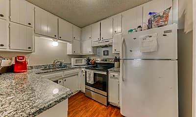 Kitchen, 1106 Lynn St, 1