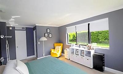 Living Room, 301 Golden Isles Dr, 0