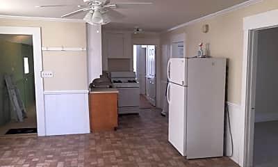 Kitchen, 306 Dubuque St, 1