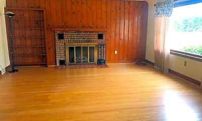 Living Room, 1691 W River Rd, 1
