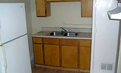 Kitchen, 1009 Oakland Dr SW, 1