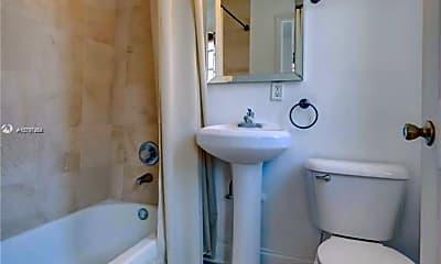 Bathroom, 1229 Euclid Ave, 2