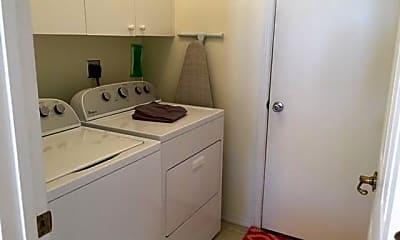 Kitchen, 872 Greenleaf Cir, 2