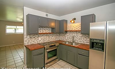 Kitchen, 1072 N Irvington Ave, 0